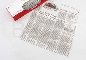 กระดาษไขสีน้ำตาลลายหนังสือพิมพ์