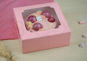 กล่องเค้ก 1 ปอน หน้าต่างกว้าง สีชมพูจุด
